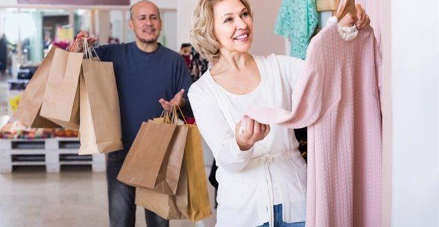 صور تفسير حلم هدية الملابس , معني اهداء الملابس في الحلم