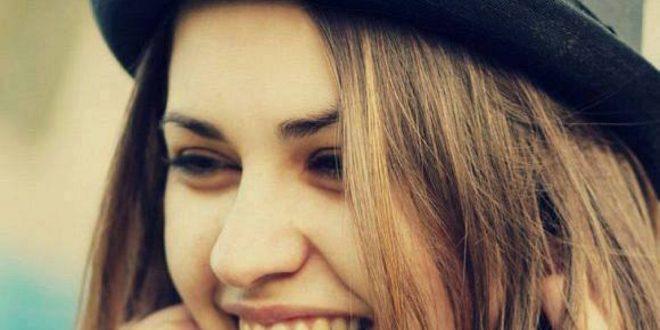 صورة صور بنت بتضحك , اجمل ابتسامه وارق ضحكه بنوته