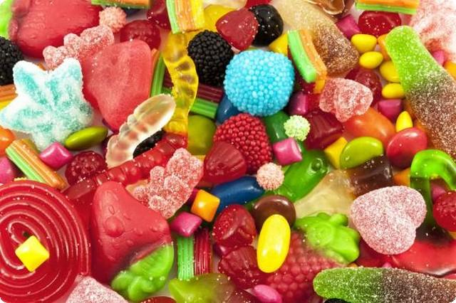 صورة تفسير حلم الحلويات الكثيرة , دلالات رؤيه الحلويات الكثيره في المنام 4072 1