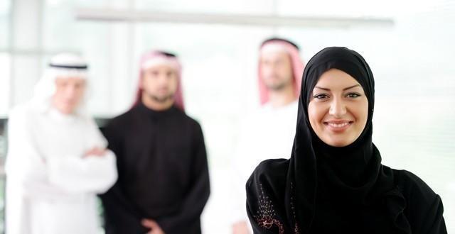 صورة هل تستطيع الزوجة السفر دون موافقة زوجها , شروط سفر الزوجة دون زوجها
