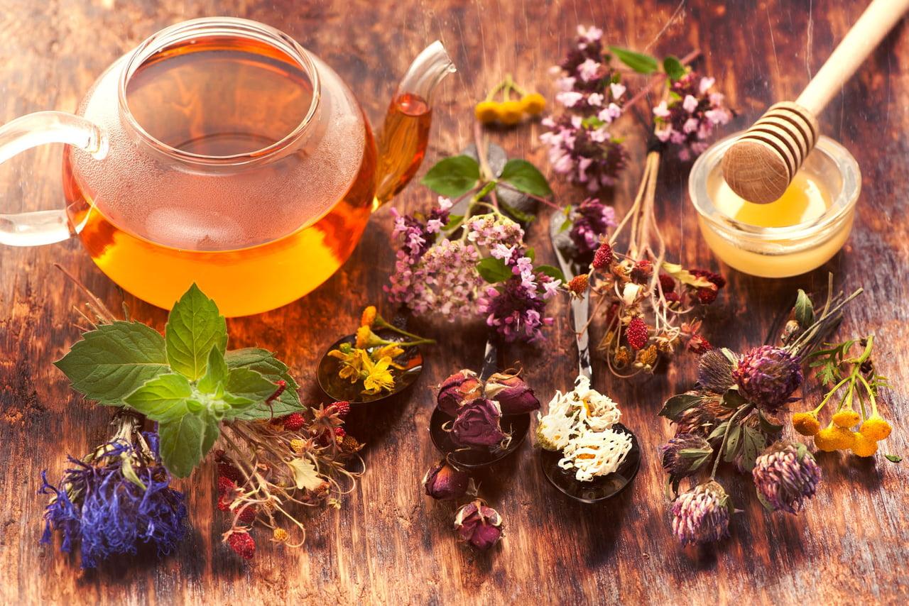 صورة علاج التهاب المعدة والقولون بالاعشاب , اعشاب تقلل الانتفاخ و تقضي علي الاسهال