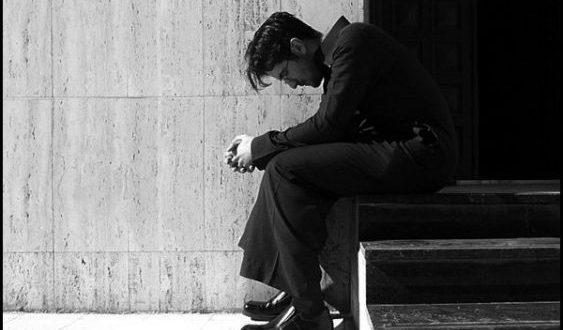صورة صور رجال حزين , ونعوذ بك من قهر الرجال
